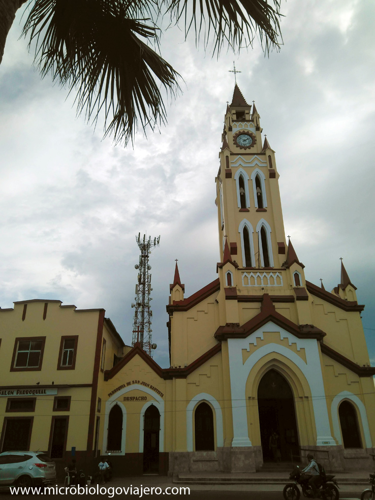 catedral-colonial-Iquitos